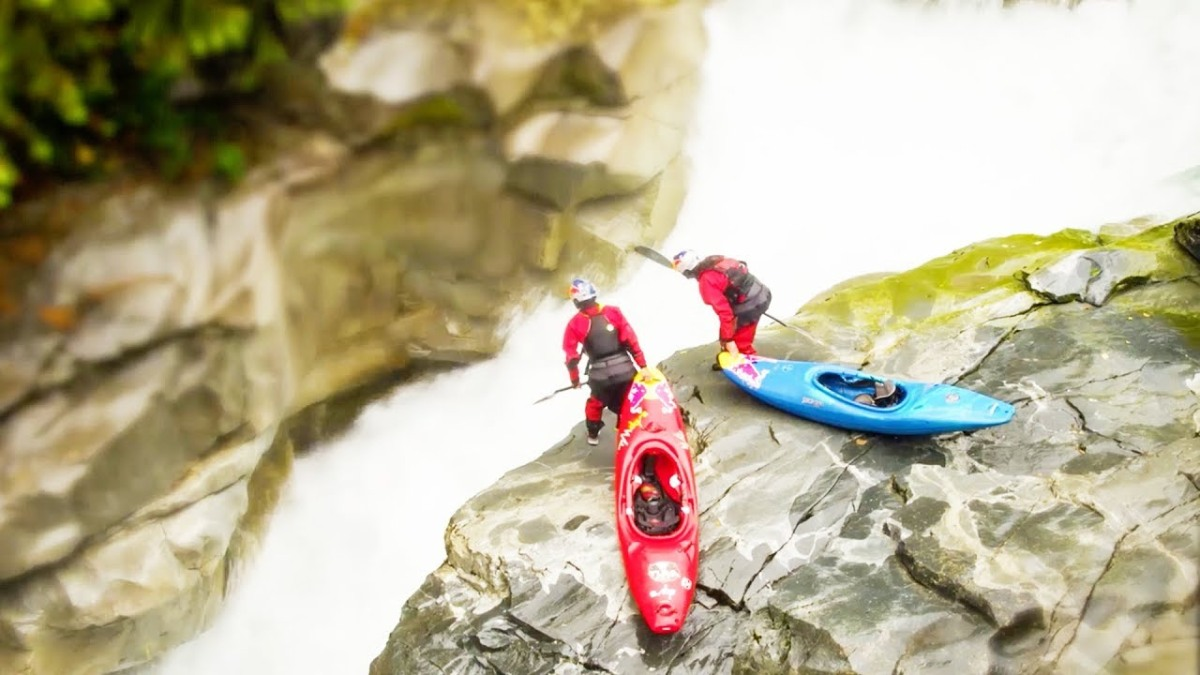 Because it's Friday: Tilt Shift Kayakers